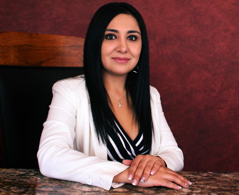 Ab. Karina Loza S.